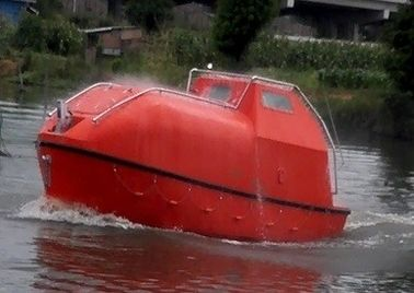 China Totally Enclosed Fire Resistant Common Lifeboats Marine Life Saving Boats supplier