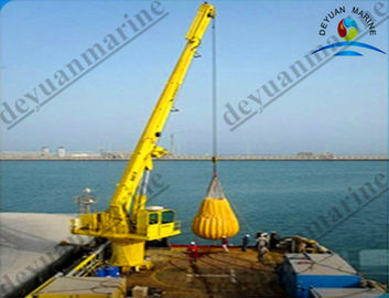 Oil - Cylinder Marine Equipment , Luffing Mobile Offshore Cranes